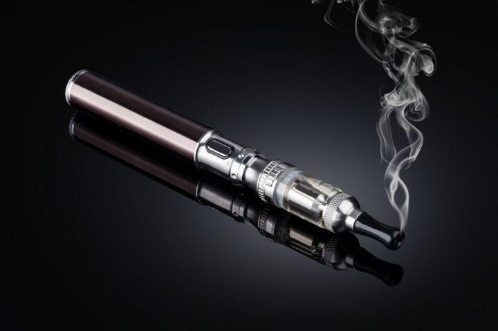 電子 タバコ アメリカ 規制